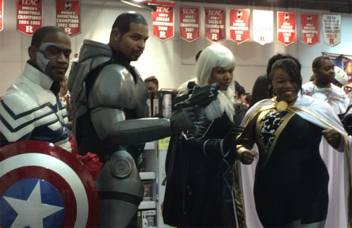 Here's the whole cosplay team. Fantastic!